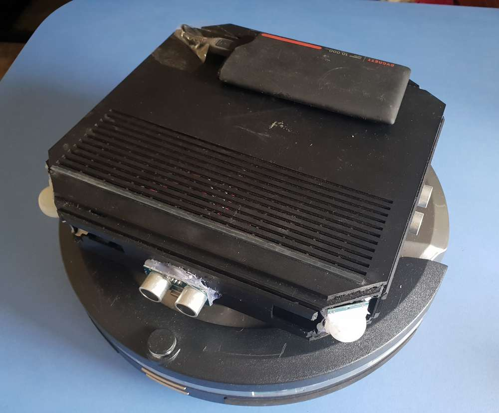A modified Stirling robot vacuum